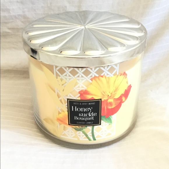 Bath and Body Works Honeysuckle Bouquet Candle NWT